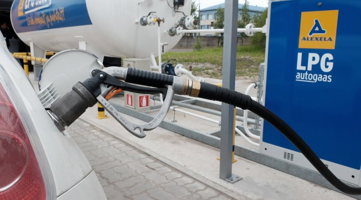 Заправка машины газом