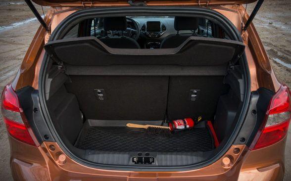 Багажник тестируемого Форда имеет 257 или 270 литров