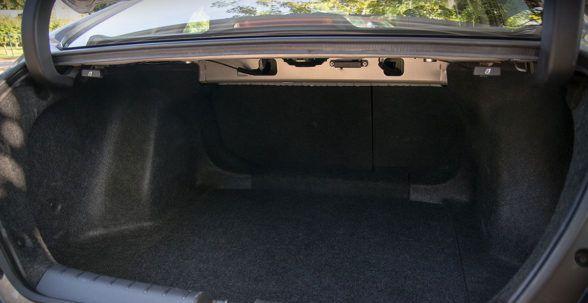 Багажник составляет 519 литров