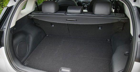 Багажник KII Niro составляет 347 литров