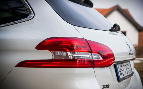 308 SW GT обеспечивает спортивную атмосферу