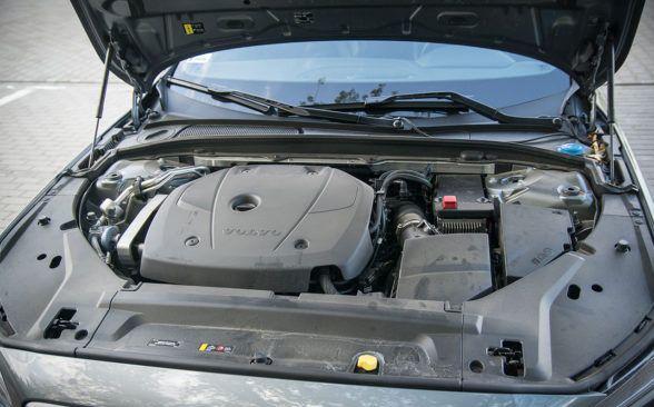 четырехцилиндровый агрегат объемом 2 литра