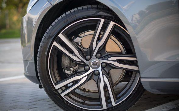 Конструкторы Volvo заслуживают похвалы за конструкцию подвески