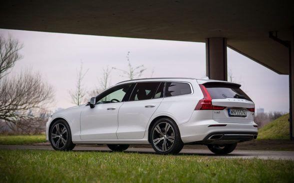 Обзор Volvo V60 AWD