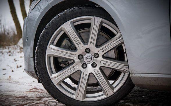 Эта уверенность еще больше усиливается системой рулевого управления